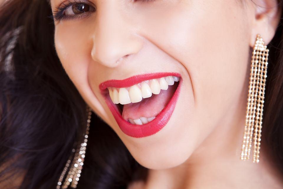 apparecchio denti fisso o mobile trasparente quanto costa